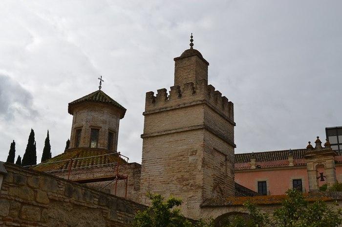 1024px-Mezquita_del_Alcázar_de_Jerez_(33047903241)